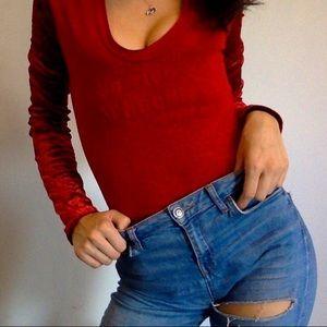 ❤️Crushed red velvet sleeved Parisian top❤️